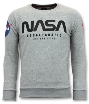Local Fanatic Exclusive Sweater Men - Nasa American Flag - Gray