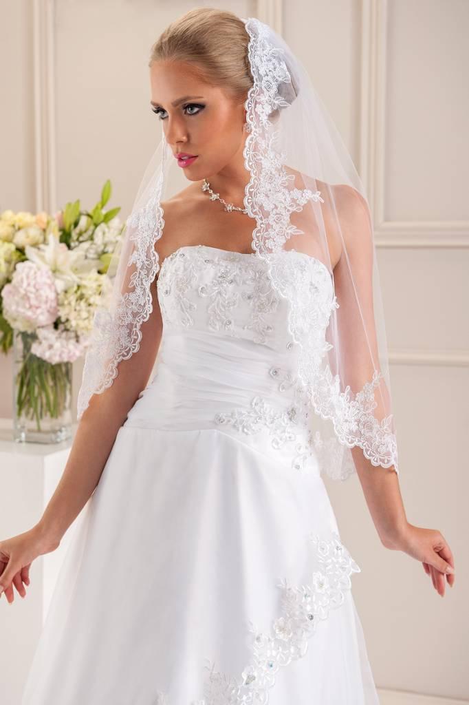 Brautkontor Kommunionkleider, Schleier, Braut Boleros Romantischer Spitzenschleier