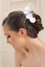 Haarschmuck mit Gesichtsschleier