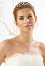Bianco Evento Brautmode aus Berlin Zarte Halskette und Ohrringe mit Strass