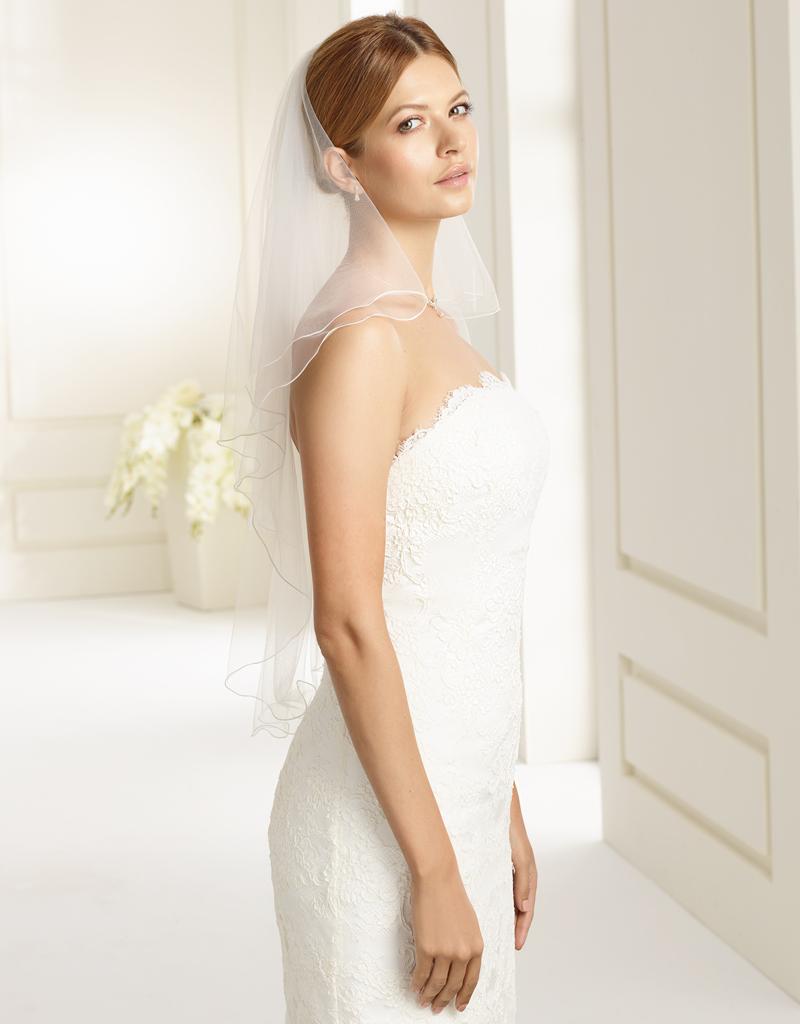 Weicher Brautschleier aus Softüll in weiß oder ivory