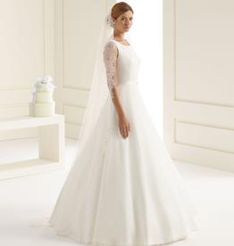 Elfenhafter Brautschleier mit Spitze aus Softtül