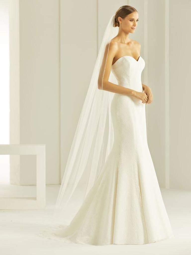 Brautschleier lang mit Stäbchenkante aus Softtüll