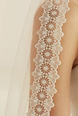 Schleier mit vintage Spitze aus Softtüll von Bianco Evento