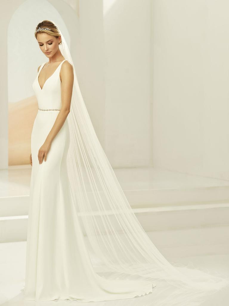 Bianco Evento Brautmode aus Berlin Softer und langer Schleier in ivory