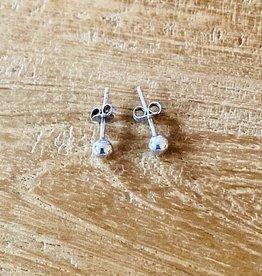 Karma oorbellen rond knopje 3 mm
