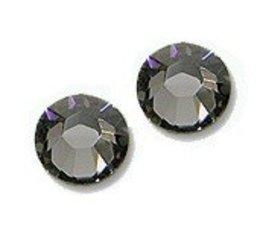 Strass steentjes rond Black Diamond