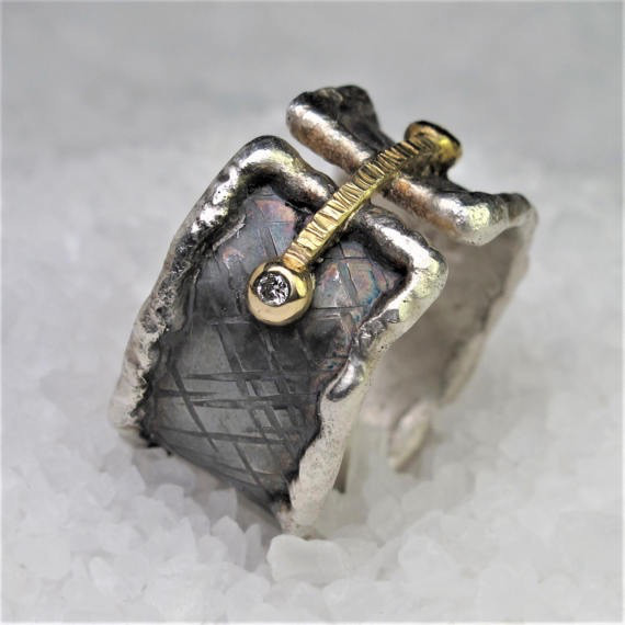 Diego Cognolato. Rustic Ring. Hand made. Silver and Gold, Diamonds 0,06ct. Size 20mm.