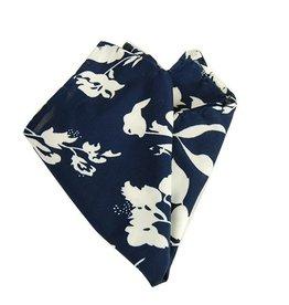 Tummansininen taskuliina kukkakuviolla⎪Papillon Miró