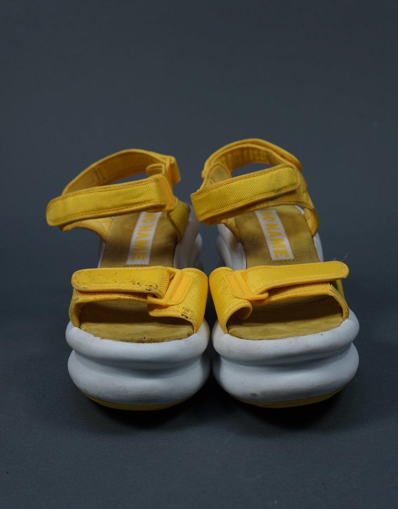 90s Platforms Tweety Sandals
