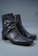 90s Betsy Boots