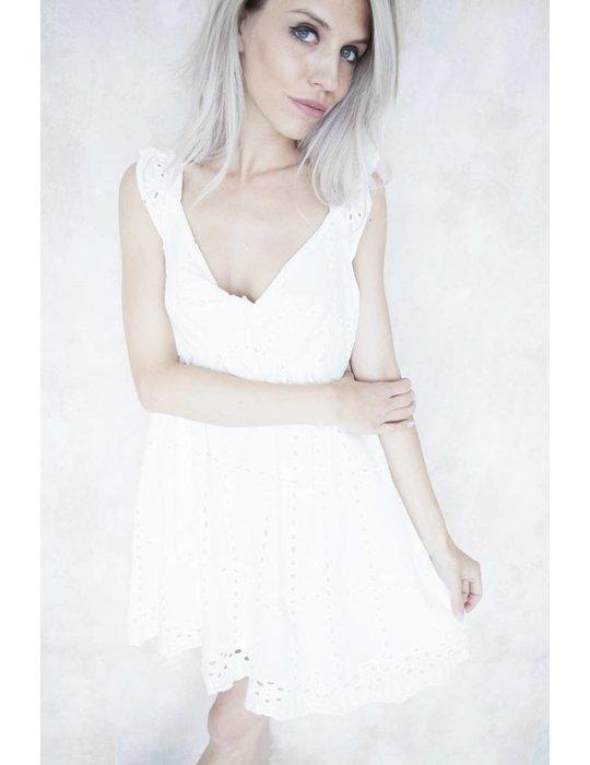 CARLOTTA WHITE