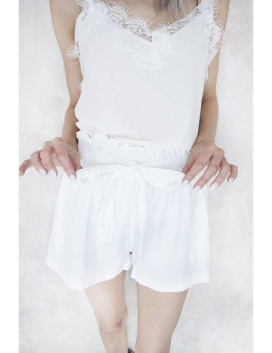 FELINA WHITE