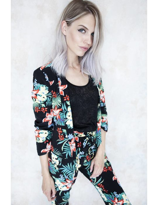 Elle Milla NEED SOME FLOWERS BLACK