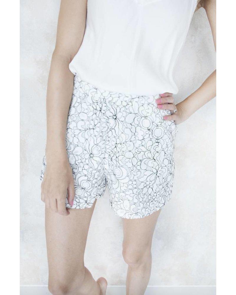 DAISY LACE WHITE - SHORT