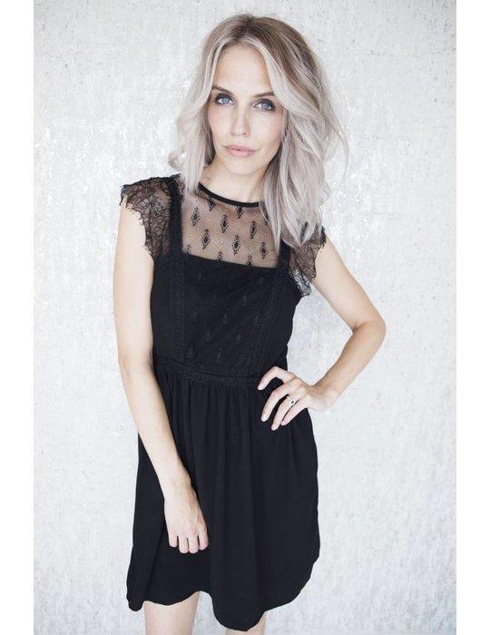 Elle Milla LINDA BLACK