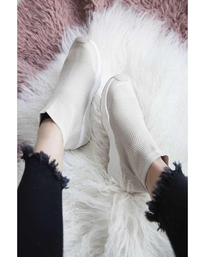 MOST COMFY CREAM - SNEAKERS