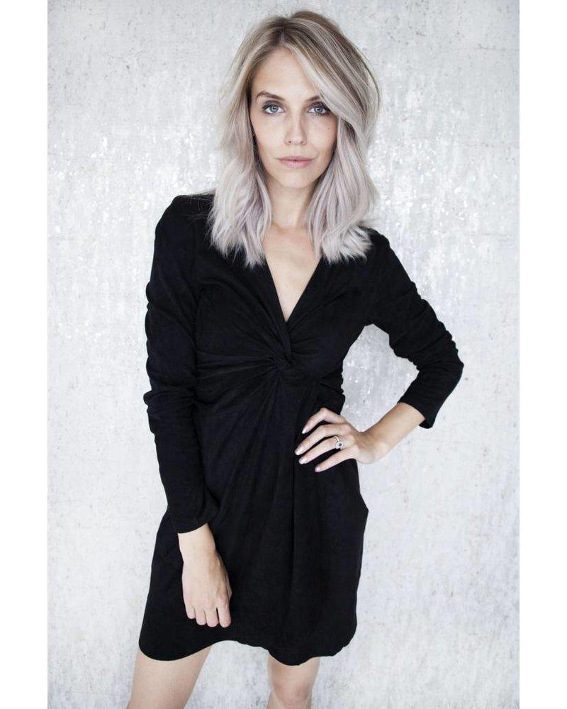 EMELIA BLACK - JURK