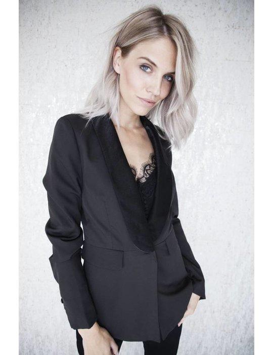 Elle Milla THE PERFECT BLACK