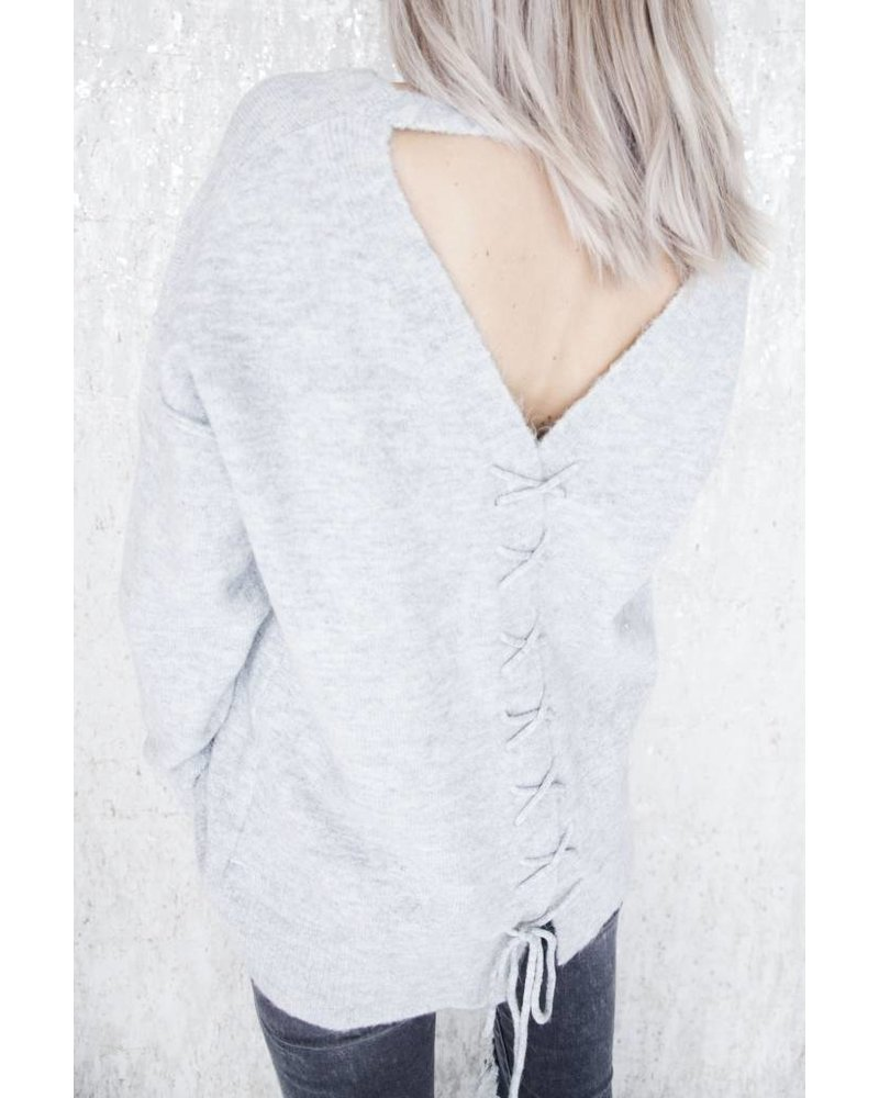 COZY CROSSED BACK GREY - SWEATER