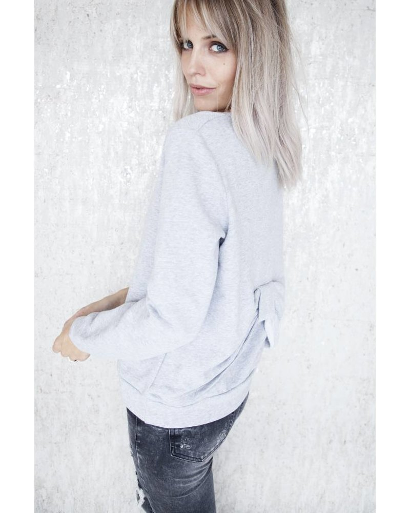 CUTE BOW GREY - SWEATER