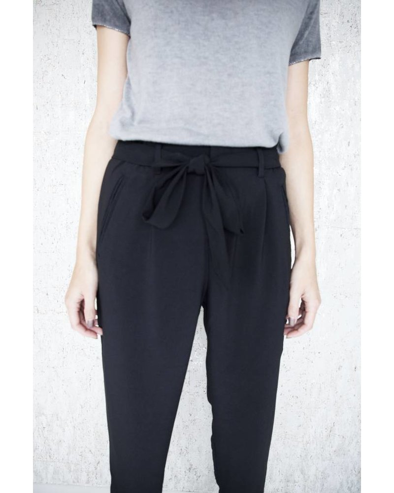 CLASSY BLACK - PANTS