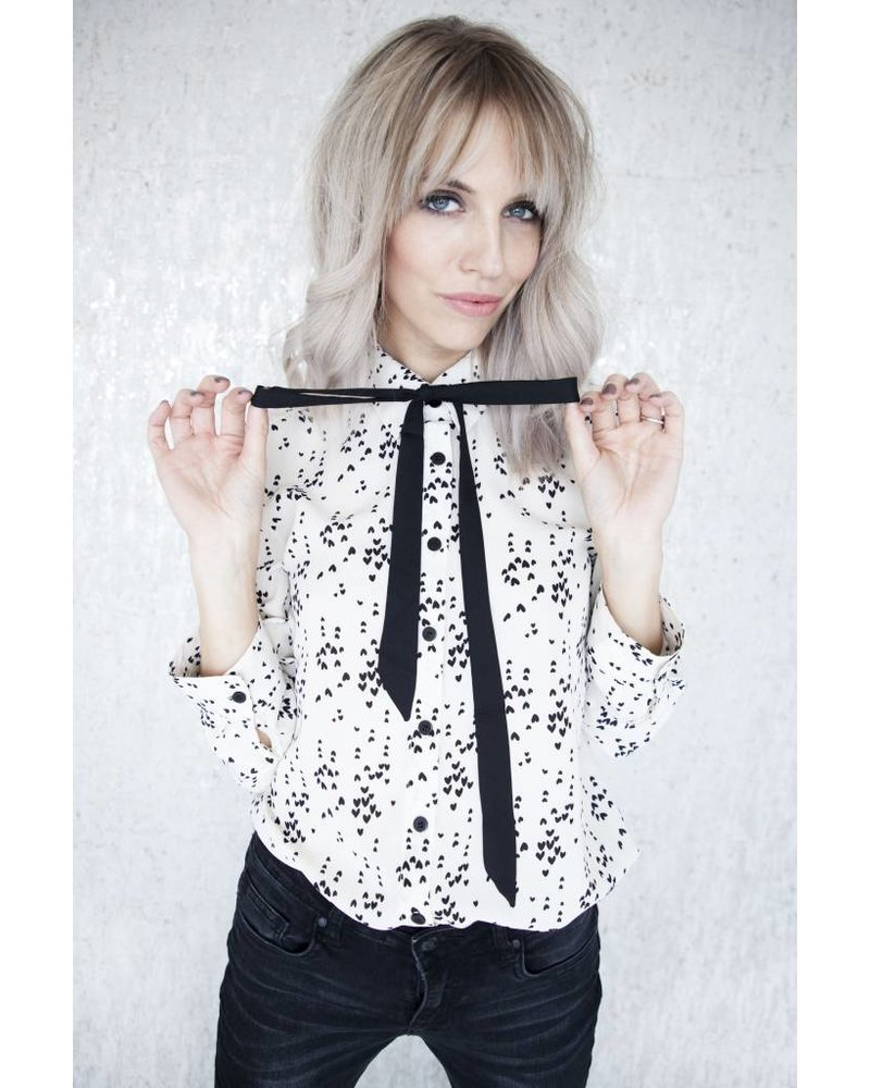 HEARTED WHITE - BLOUSE
