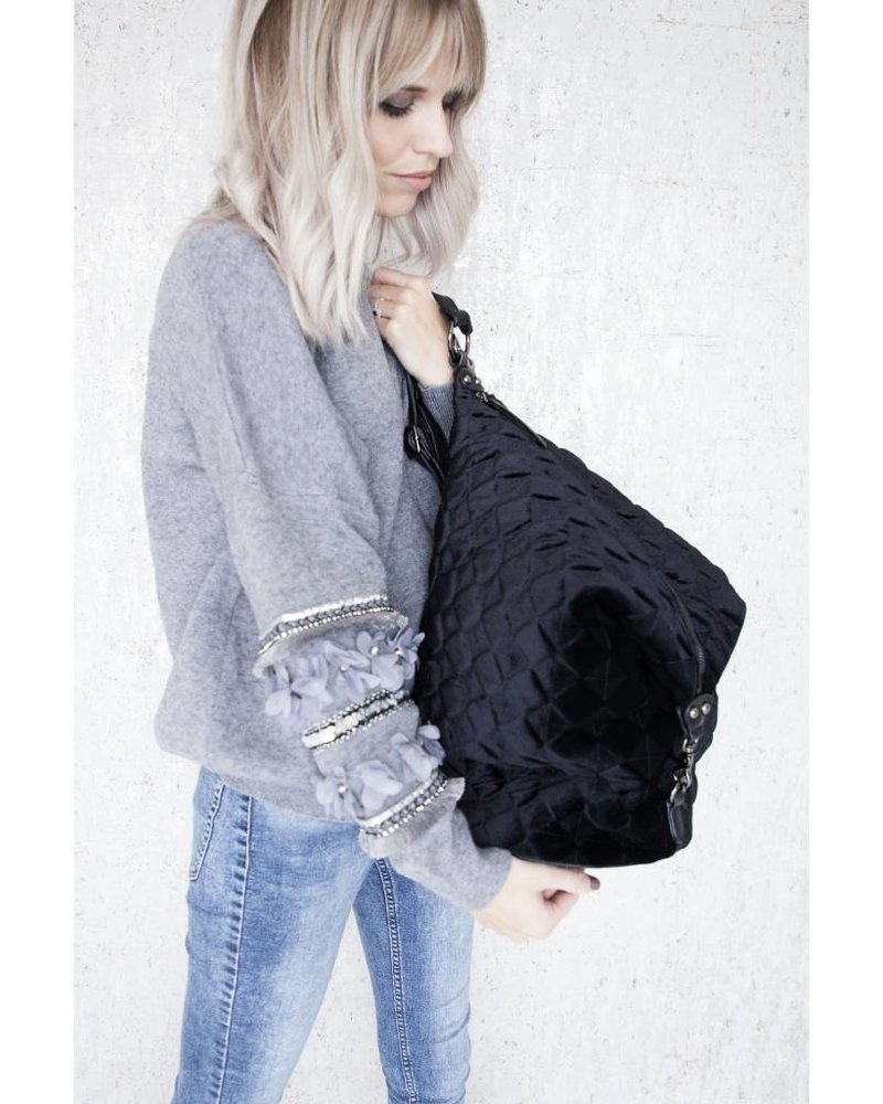 THE VELVET BLACK BAG - RUGZAK