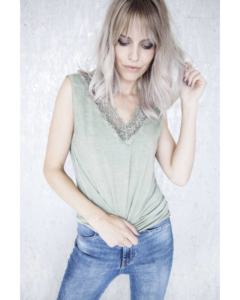 MELANY LACE OLIVE - TOP