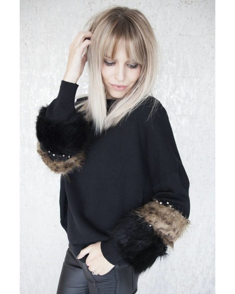 PEARLS AND FUR BLACK - SWEATER