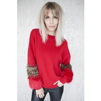 PEARLS AND FUR RED - SWEATER