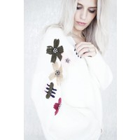 KNITTED FLOWERS WHITE - GILET