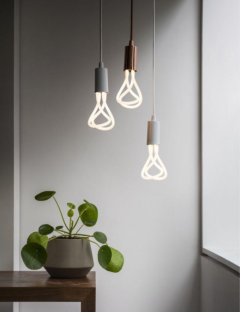 Plumen 001 - LED Light Bulb, E27 2700K 11W