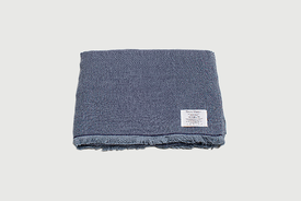 Chambray throw / blanket in cotton and wool by Kontex