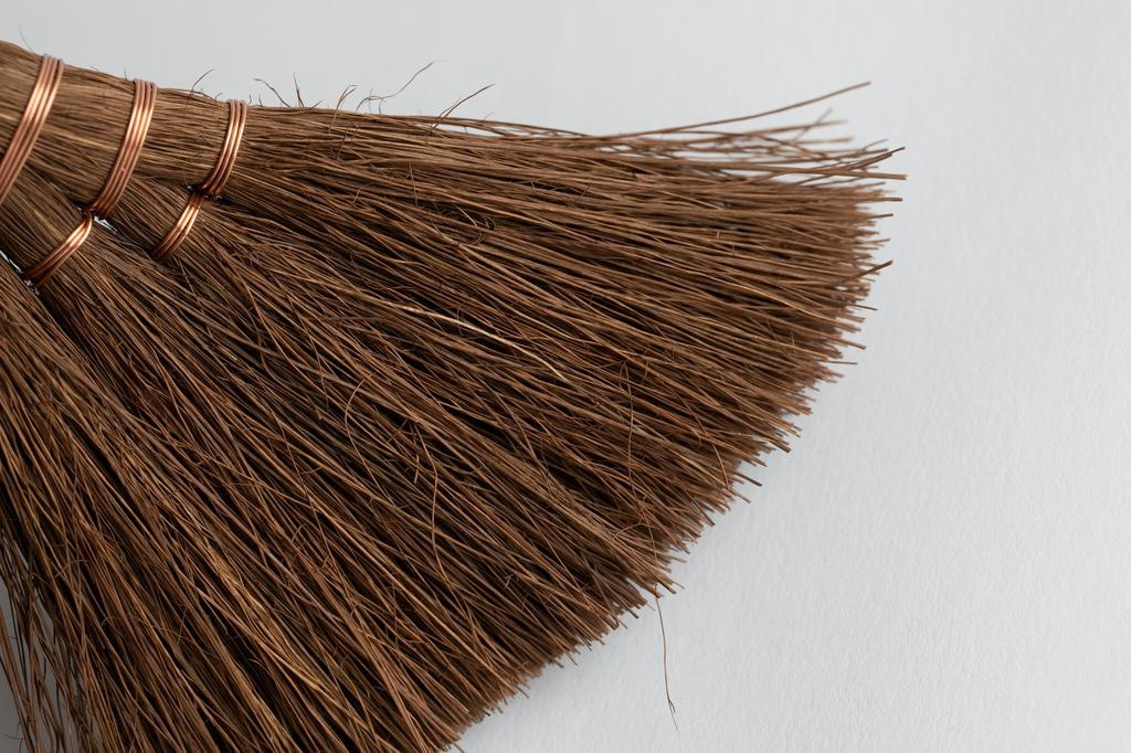 Shuro Brush Shuro Brush - Japanese hand broom, natural palm fibers, 17cm