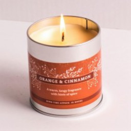 St Eval Christmas Orange & Cinnamon Geurkaars in Blikje 45 branduren
