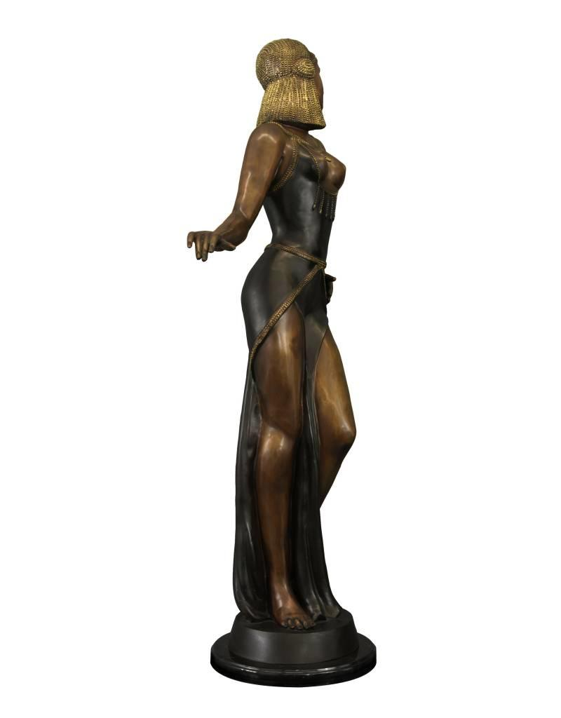 Selene – Sinnliche Frauenskulptur aus Bronze