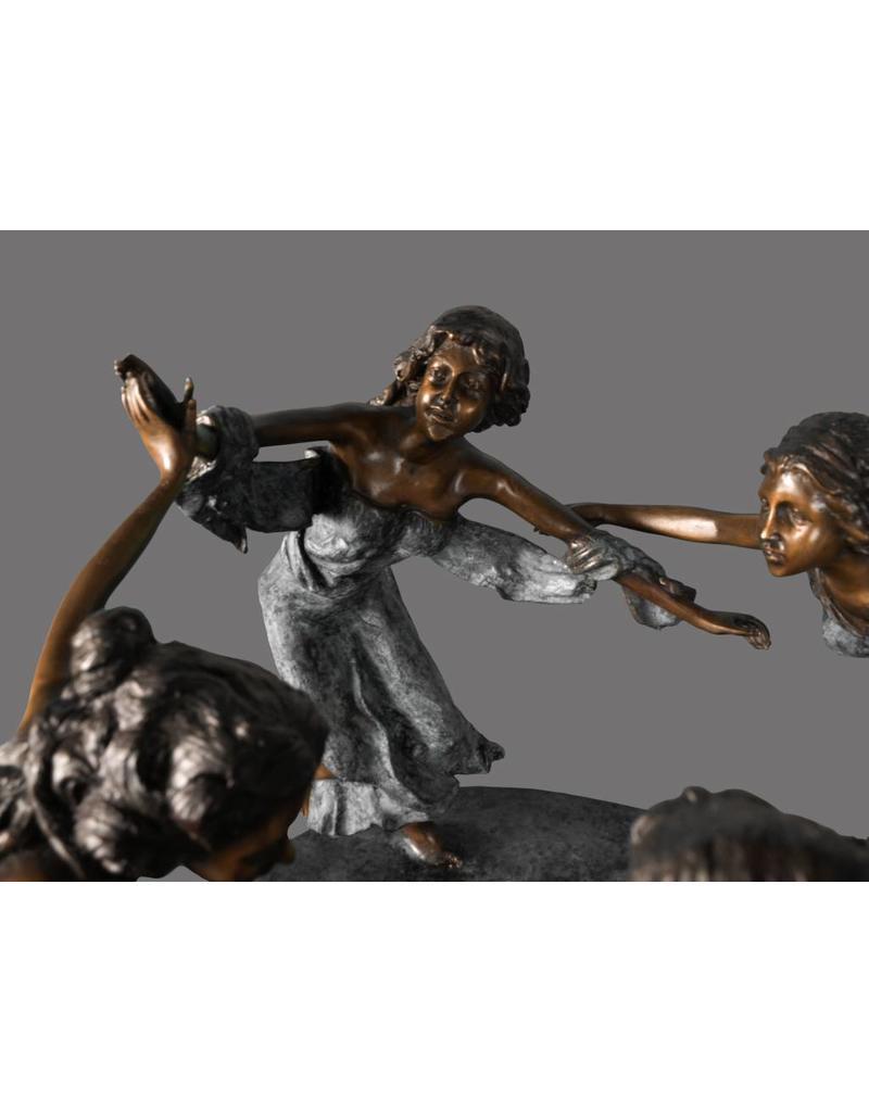 Carmina I – Bronze Springbrunnen tanzende Frauen