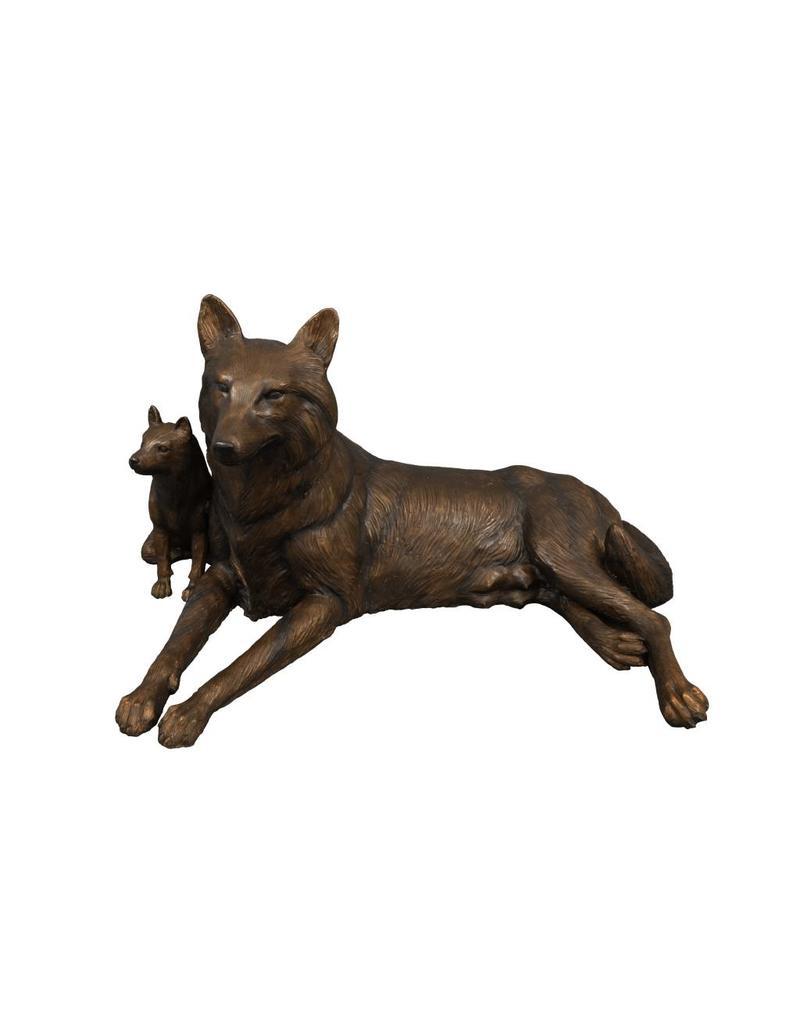 Lyconia – Bronzefigur einer Wölfin mit Welpen