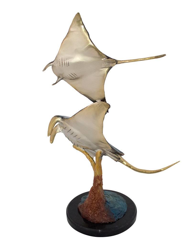 Rajo – Bronzeskulptur zweier Rochen Emaille