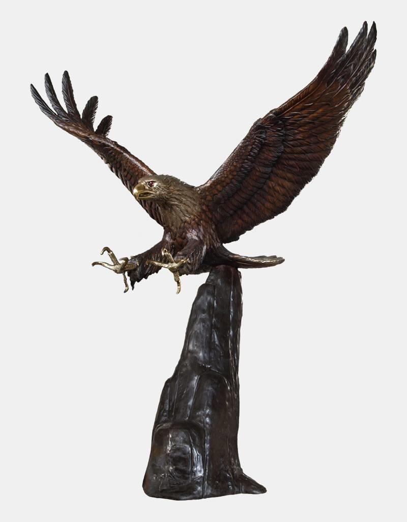 Grand Argos II – Lebensgroßer Adler auf Felsen