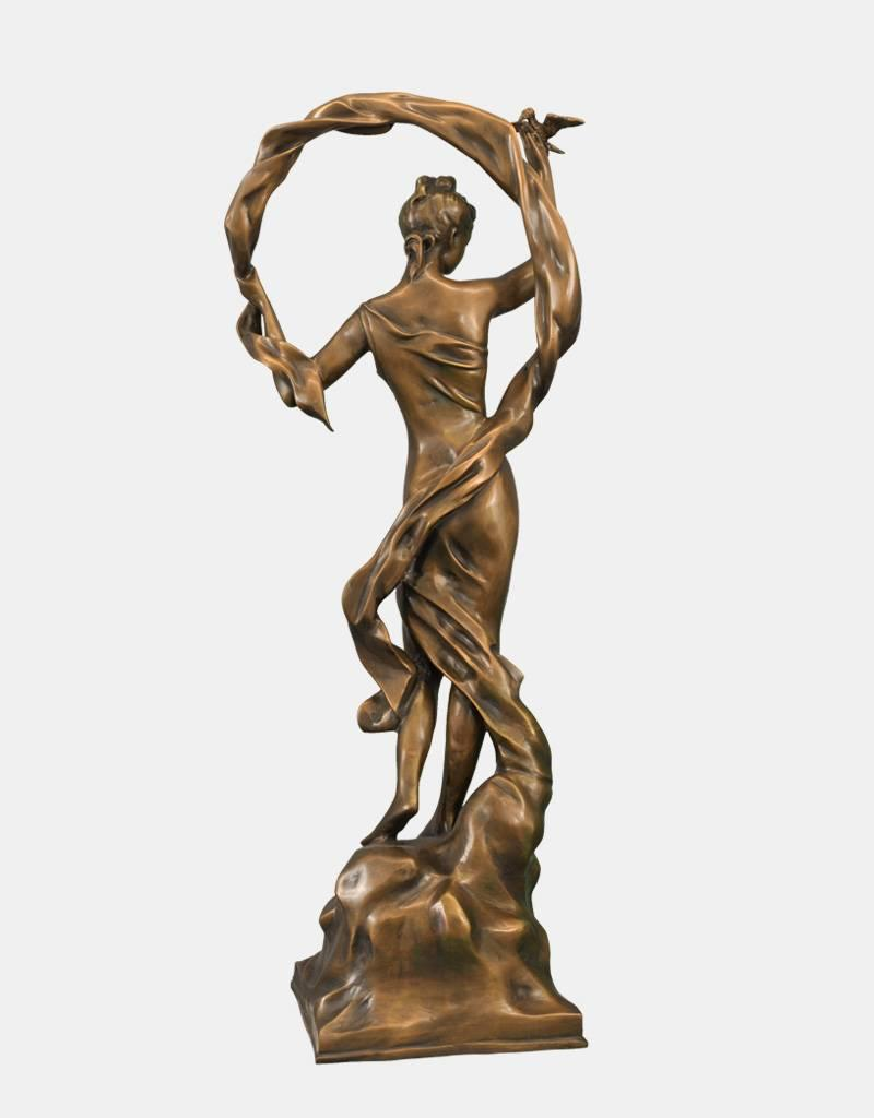 Callista – Große Bronzefigur einer Tänzerin