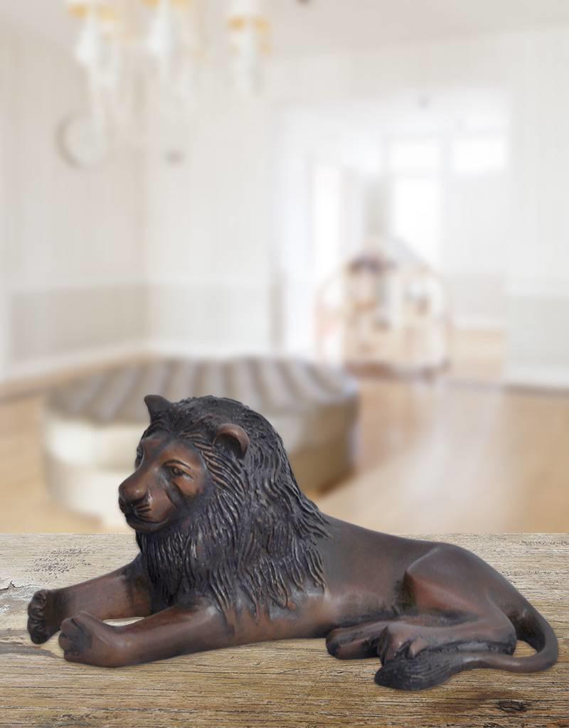 Clarence – Bronzefigur eines liegenden Löwen
