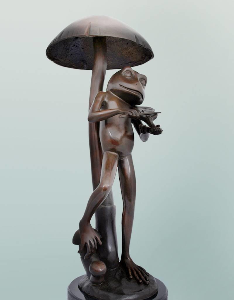 Heket Gloria – Frosch mit Violine auf Marmorsockel