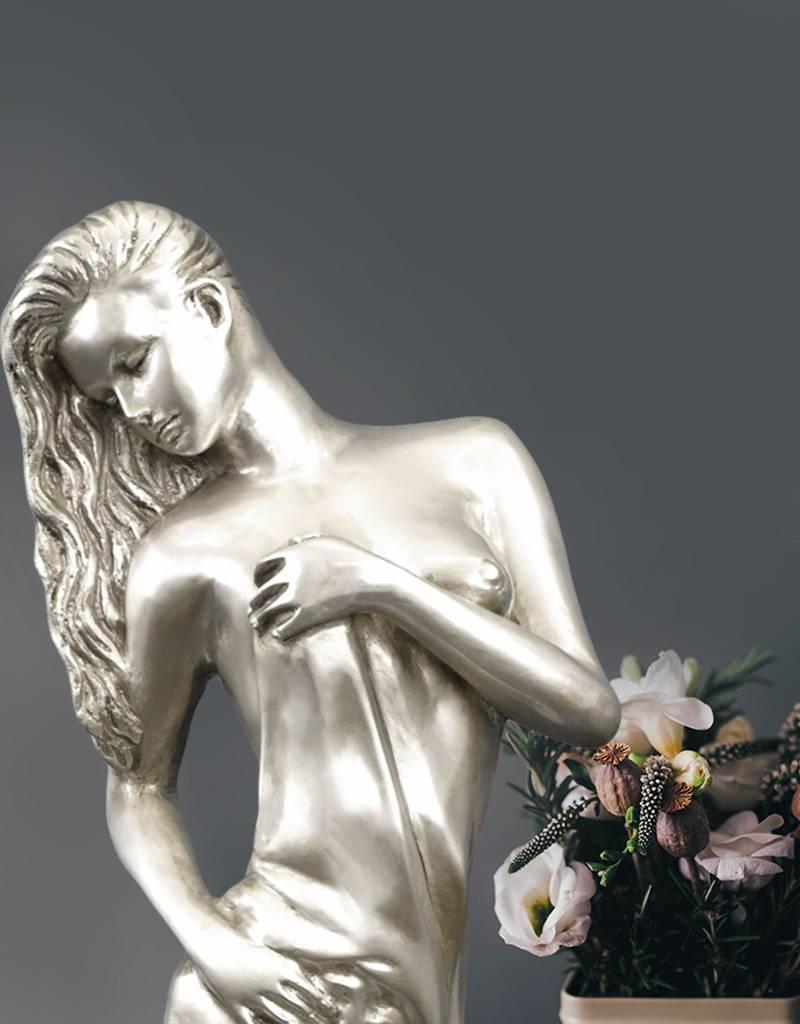 Petite Filomena – Sinnliche Frauenskulptur aus Bronze