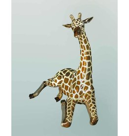 Dayo – Bronzeskulptur liegende Giraffe