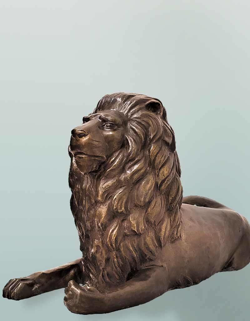 Mios – Bronzeskulptur liegender Löwe