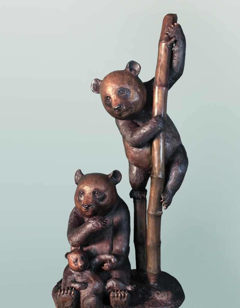 Sanfubao – Große Bronzefgur dreier Pandabären