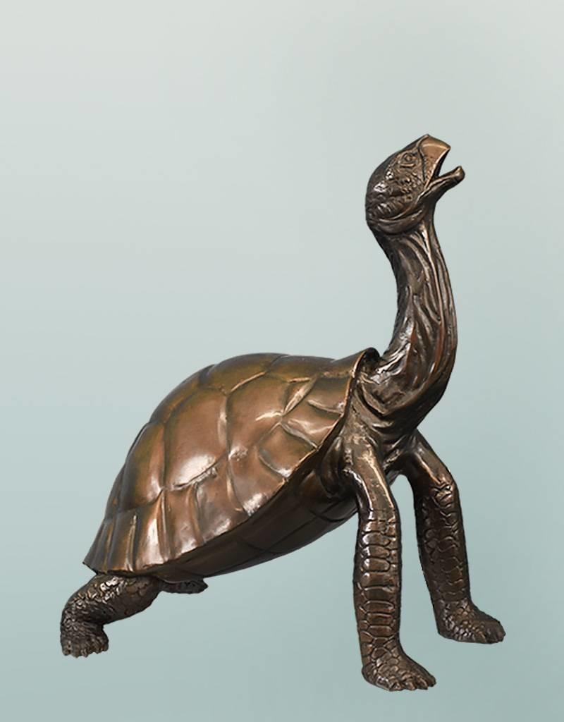Chelone – Große Bronzefigur einer Schildkröte