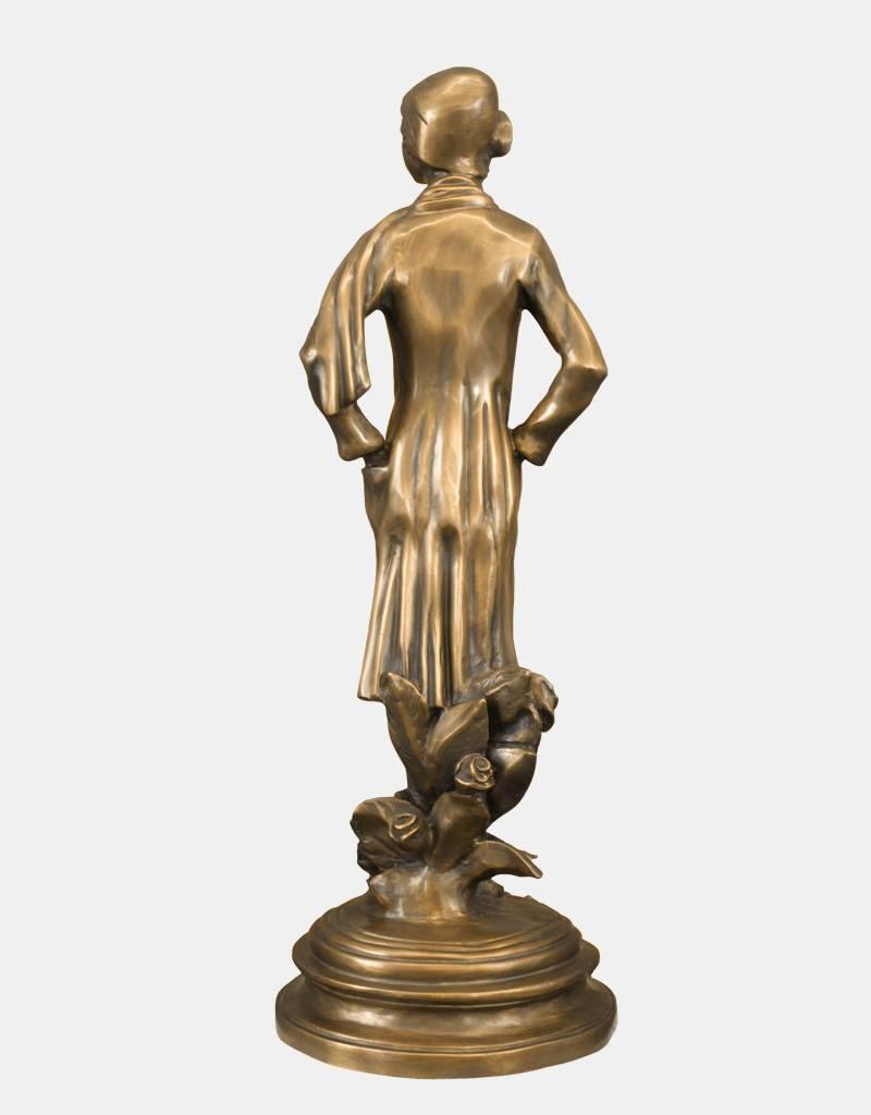 Rosalia – Frauenskulptur aus Bronze